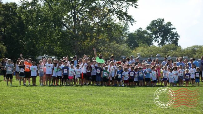 group picture of participants of healthy kids running series
